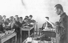 1951年,郑天翔在包头市委第一次党代表