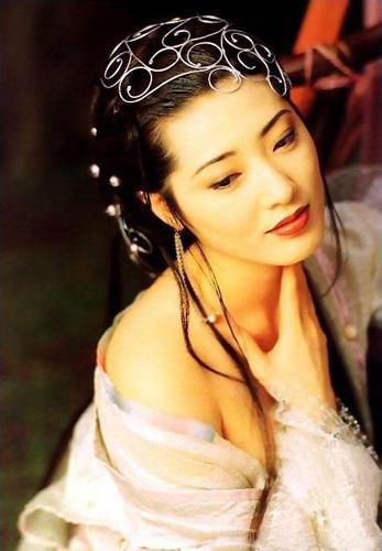 杨思敏裸照_日本籍女艺人杨思敏因主演《金瓶梅》轰动港台,99年被诊断患乳癌不得