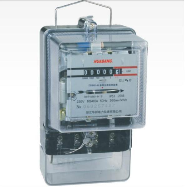 在高电压或大电流的情况下,电能表不能直接接入线路,需配合电压互感器