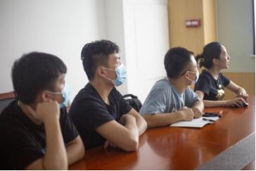 傲世皇朝平台新闻 众星孵化平台开展合规培训,推动企业安全发展