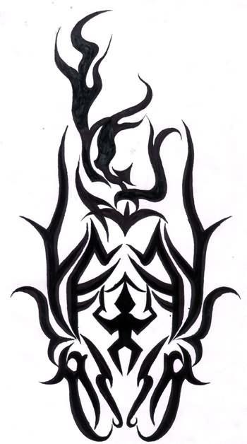 谁知道古惑仔山鸡臂膀上的纹身图案是什么?